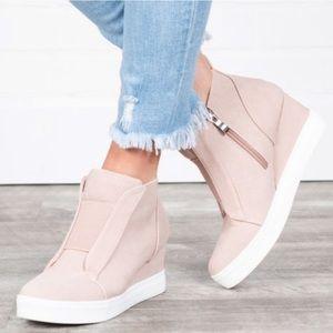 ❗️NEW❗️Pink Wedge Sneakers - Best Sellers 🔆🔆